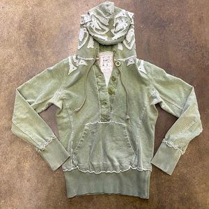 FREE PEOPLE GREEN AND WHITE EMBROIDERED HOODIE